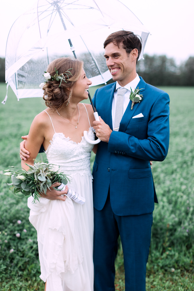 How to prepare for rain on your wedding day calgary wedding how to prepare for rain on your wedding day rain blog pinterest junglespirit Gallery
