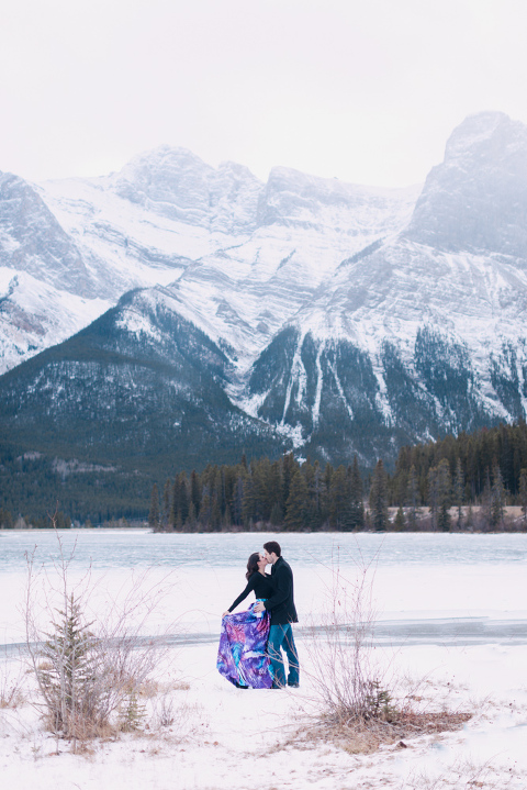Romantic Canmore Engagement, mountain engagement photography, christmas engagement, christmas wedding photos, couple poses, romantic proposal